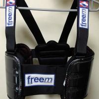 freem BRAVEリブプロテクターベスト・カーボン