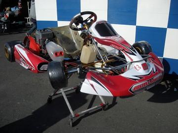 AKMTレーシング2011年カウルデザイン